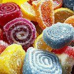 Giải mã giấc mơ thấy ăn trộm bánh kẹo có ý nghĩa gì?